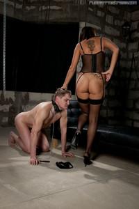 Russian-mistress-perfect-soles-477gv3tx0b.jpg